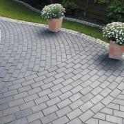Мощение тротуаров плиткой